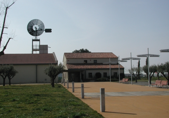 Environmental information center and management center of Parc central del Vallès