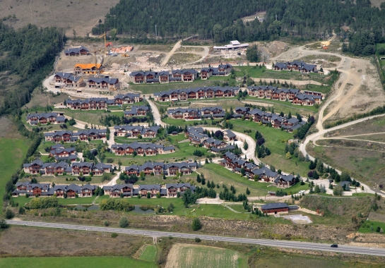 132 Private Housing Urbanization in Bolvir and Ger